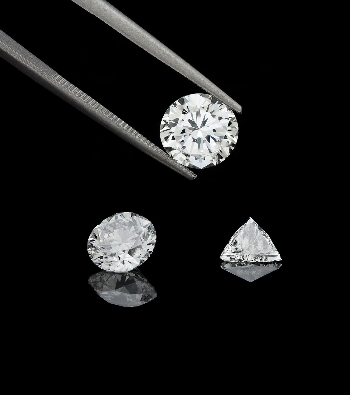 Analisi e Classificazione del Diamante